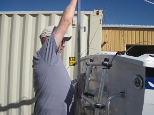 lowering mast crutch
