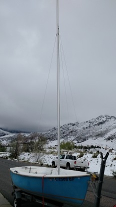 The new mast on the boat.